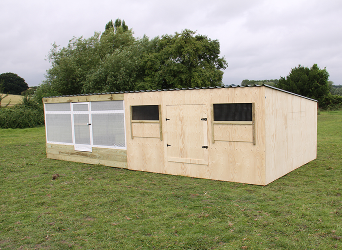 12'x'12' Brooder hut fixed & night shelter combi